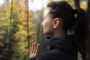 Женщина спокойное дыхание