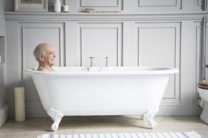 Теплые ванны могут устранить симптомы