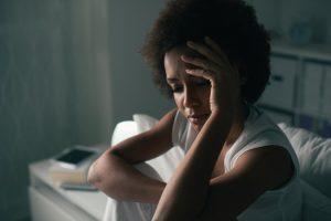 Женщина мигрень